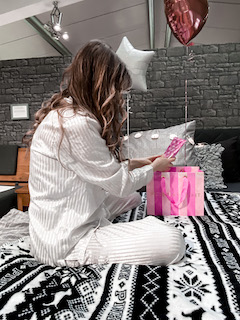6 Girly gift ideas for women on Christmas 2020
